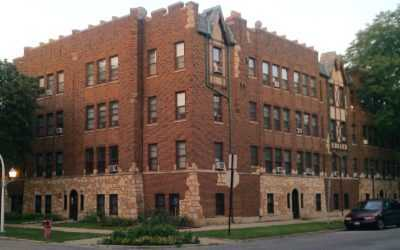 Triton sells 16-unit Rogers Park apartment building