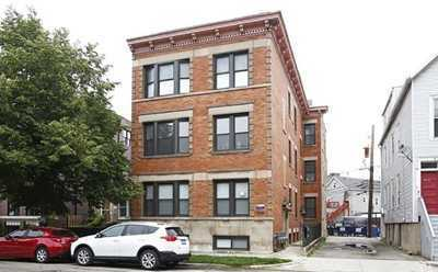 Triton sells vintage Lakeview apartment building